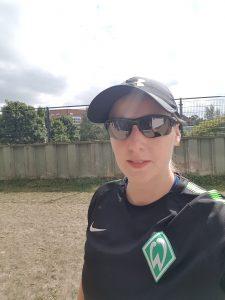 Heiße Sommer - Under Armour Laufcaap, Oakley Sportbrille, Nike Funktionsshirt